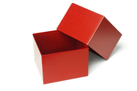 cajas de carton: Cuadro abierto regalo rojo vac�o aislada sobre fondo blanco