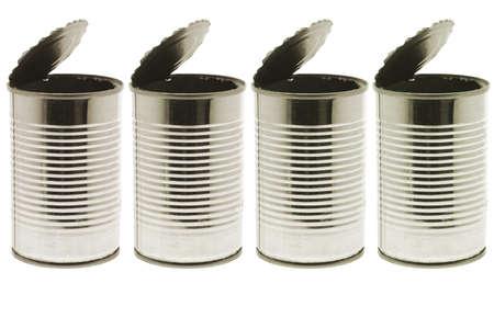 Boîtes de conserve vides sur fond blanc Banque d'images