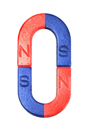 magnetismo: Magneti a ferro di cavallo rosso e blu su sfondo bianco