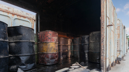 bogie: 200 Lite small oil tank inside old bogie