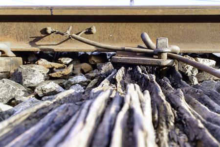 grip: broken wood sleeper and railway grip lock