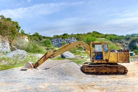 heavy machinery: Old and broken heavy machinery