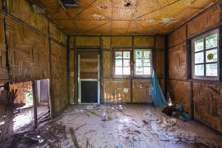 deserted: deserted house