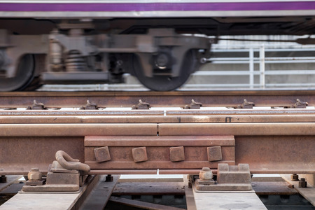 chock: rail way space for thermal expansion, steel design
