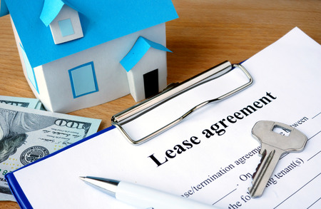 documentos: Arrendamiento documento de acuerdo con los dólares y modelo de la casa.