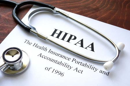 醫療保健: 健康保險流通與責任法案HIPAA和聽診器。 版權商用圖片