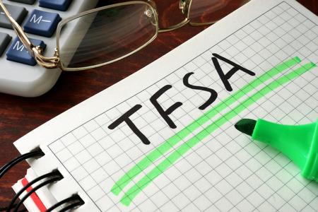 banco dinero: Cuaderno con la muestra BTSA sobre una mesa. Concepto de negocio.