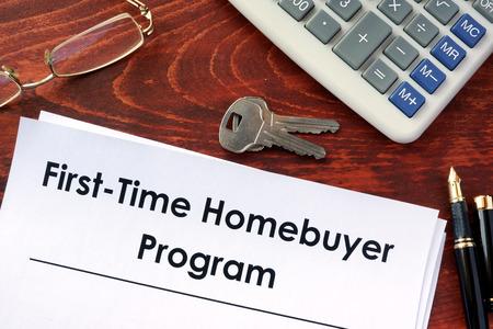 Documento con el título Programa de comprador de vivienda por primera vez. Foto de archivo