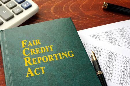 FCRA Fair Credit Reporting Act op een tafel.