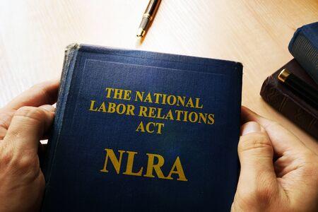 relaciones laborales: El concepto de la Ley Nacional de Relaciones Laborales (NLRA). Foto de archivo