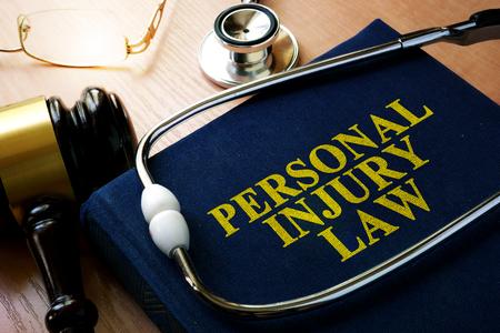 Personal Law Law concept. libro e psichiatra Archivio Fotografico - 83442718