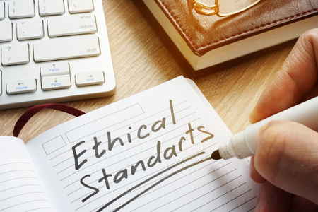 Ethical Standards written in note. 版權商用圖片 - 98549466