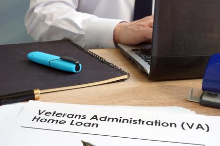 Veterans Administration (VA) Home Loan application form. Reklamní fotografie