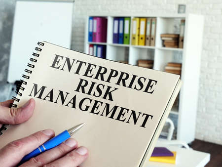 Enterprise risk management ERM. The documents are in the hands of the manager. Imagens