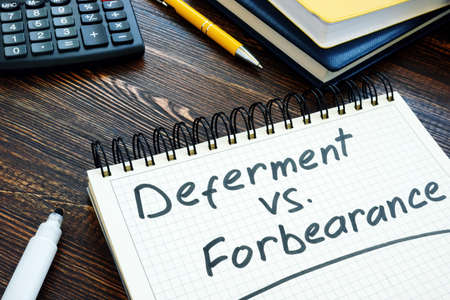 List of Deferment vs Forbearance for choosing in the notepad. Imagens