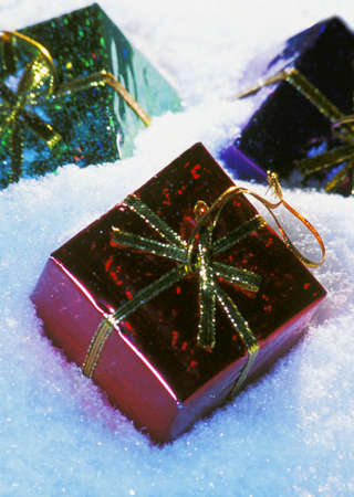 darren greenwood: Presents in snow Stock Photo