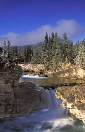 Spring waterfall 版權商用圖片