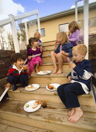 carson ganci: Children eating food