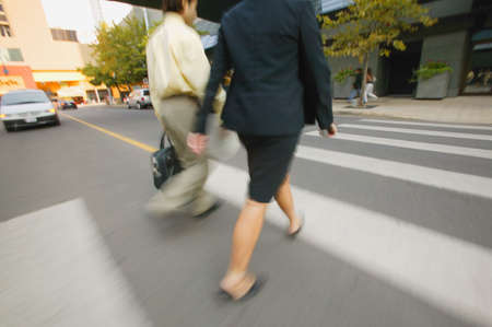 don hammond: Businesspeople cross the street
