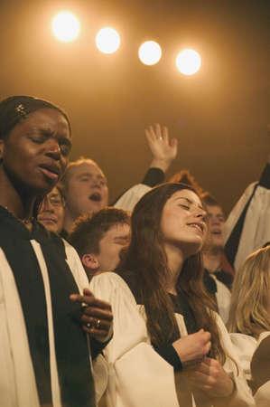 alabanza: Un coro canta Foto de archivo