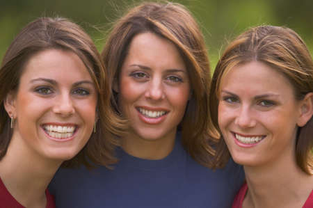 carson ganci: Three teen girls