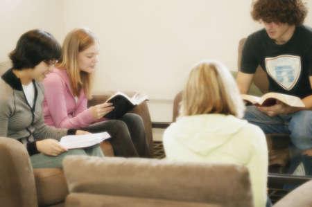 familia en la iglesia: Grupo de estudio