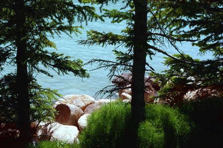 dean lake: A shoreline of a body of water Stock Photo