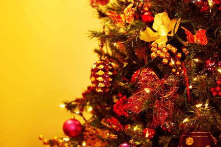 muz: Closeup of Christmas tree