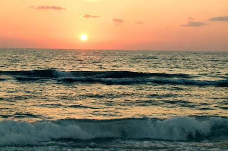 tanasiuk: Waves rolling in