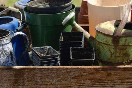 muz: Gardening containers