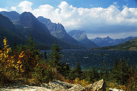 destination scenic: Montana, USA; View across St. Mary lake in Glacier National Park