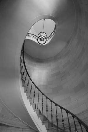 low angle views: Escalera en edificio hist�rico, edificio de Hamilton, Winnipeg, Manitoba, Canad�  Foto de archivo