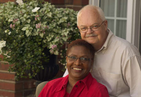 interracial marriage: Couple sitting insieme