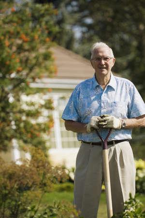 高齢者の庭師の肖像画 写真素材