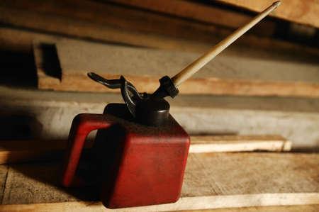 Jerrycan en hout Stockfoto