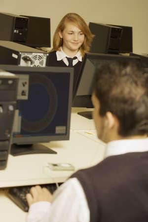 werk: Studenten werken in de computer lab