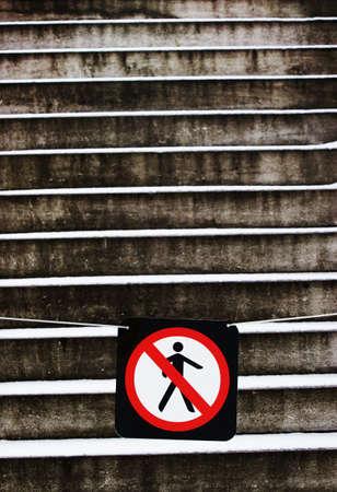 prohibido el paso: Ning�n signo de allanamiento