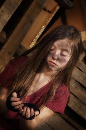 beggars: Impoverished girl