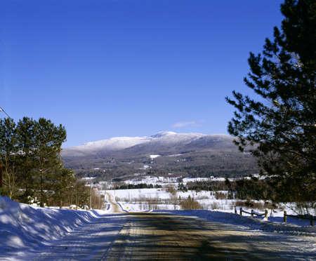 qc: Rural road in winter