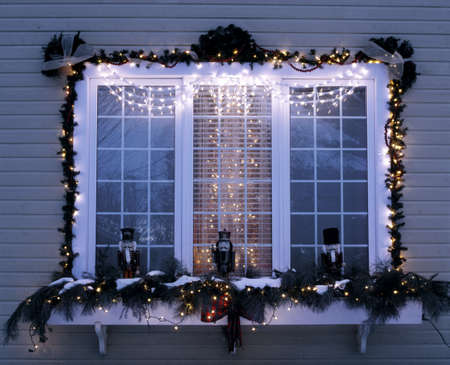 holiday garland: Exterior Christmas decorations