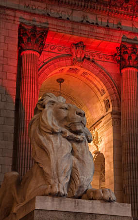 historical periods: Lion statue at New York Public Library, Midtown Manhattan, New York City, New York, USA