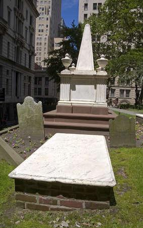 grave site: President Alexander Hamiltons Grave, Trinity Church, Lower Manhattan, New York City, New York, USA   Stock Photo