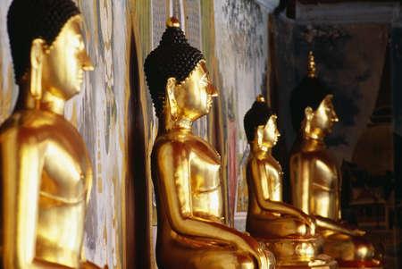 doi: Row of Buddhas at Wat Phra That Doi Suthep temple in Thailand   Stock Photo
