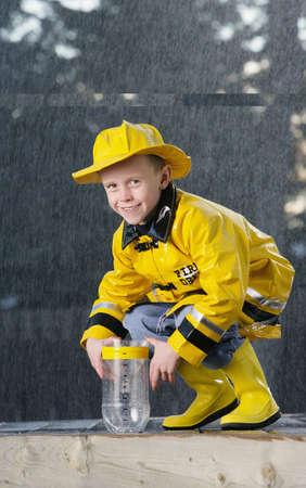 eye catcher: Boy in the rain