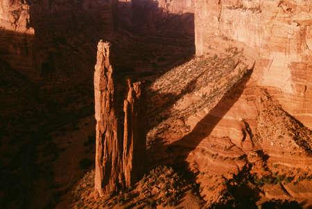 スパイダー ロック、キャニオンデシェイ国定公園、アリゾナ州、アメリカ合衆国、 写真素材