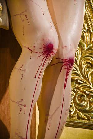 tortured body: Bloody knees