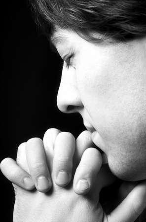 arrepentimiento: Hombre orando Foto de archivo