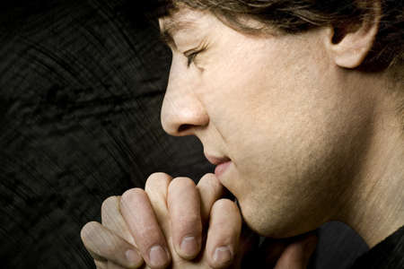 belief systems: Uomo di preghiera
