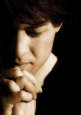 sepias: Praying man