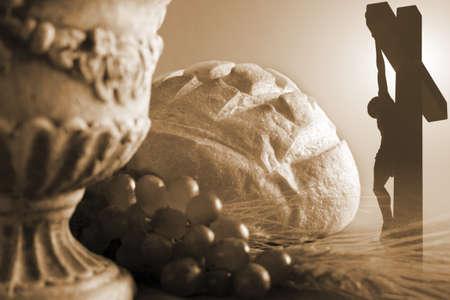 comunion: S�mbolos de comuni�n y crucifixi�n
